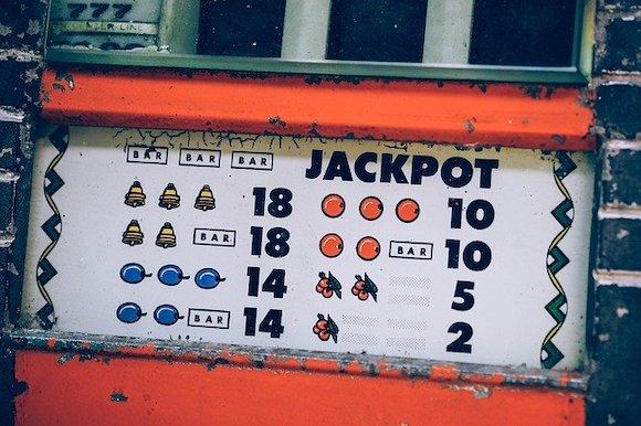 Online den Jackpot knacken mit einem Casino Bonus
